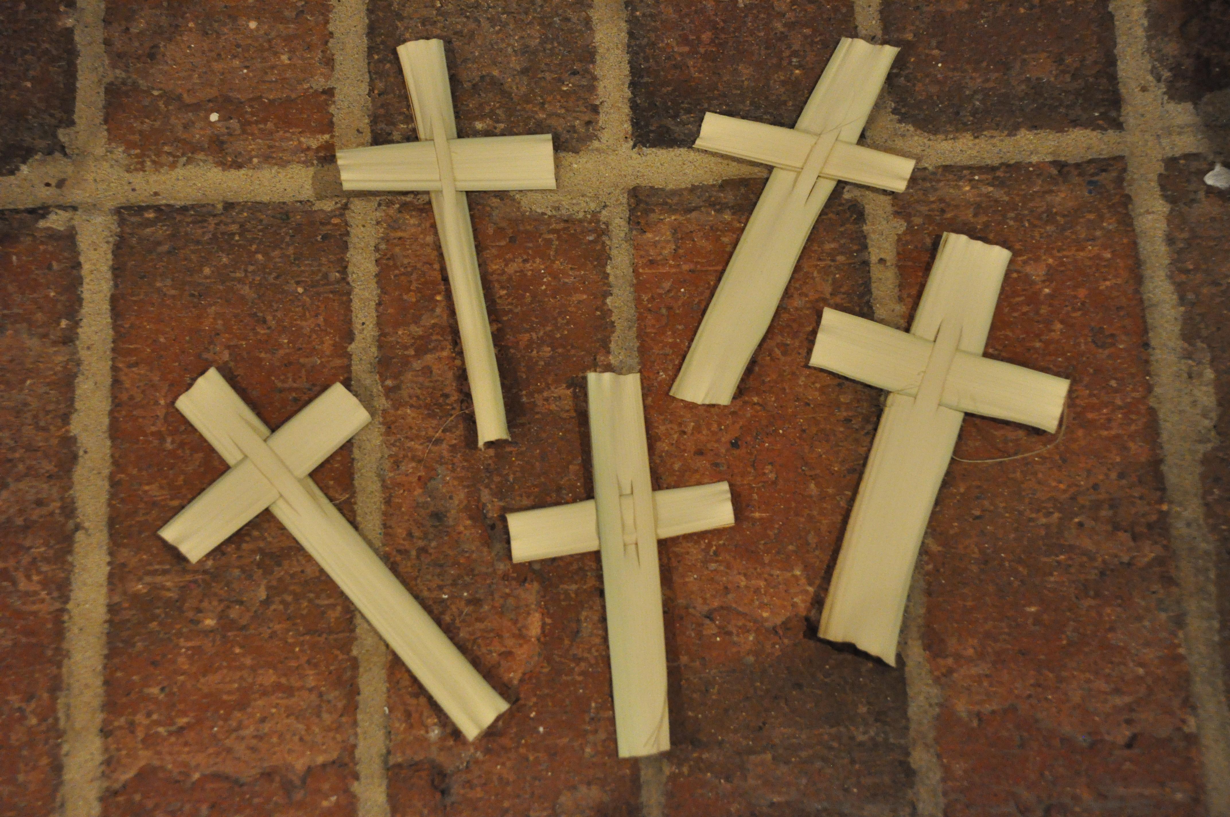 Easter ideas part 3 of 3 real deep stuff - Corn Husk Crosses